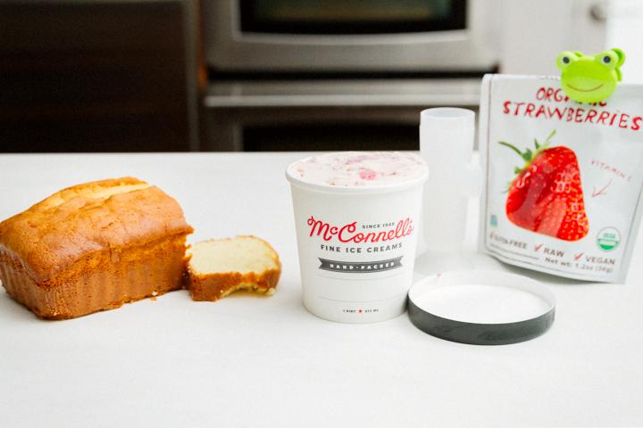 Ice Cream Cheat: Strawberry-n-Cake Popsicles