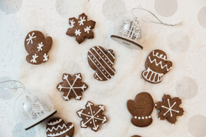 gingerbread mitts